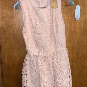 Francesscas brand new lace light pink dress